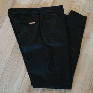 Black ankle cropped pants